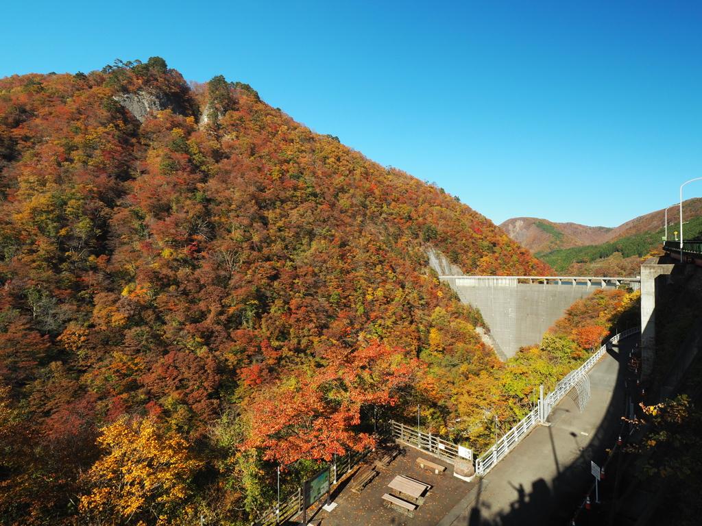 千秋の鳴子ダム