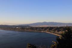 残したい風景-千々石断層崖と多良岳