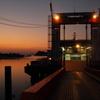 夜明けの船着場