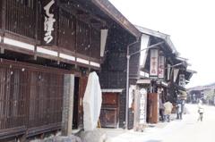 雪の奈良井宿