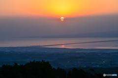 朝陽を見下ろして