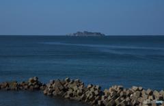 軍艦島を遠くに見て