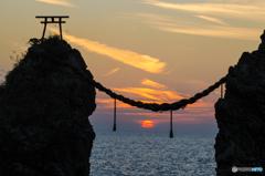 夫婦岩の日没