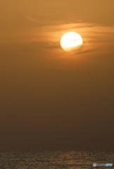 日の出とともに