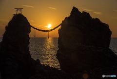 夫婦岩の夕日