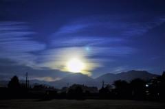 日光に落つ月光