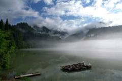 霧幻峡の夏空