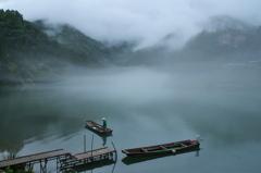梅雨送る霧幻峡