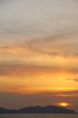 志賀島で夕焼け('14.2.16)-3 ~sun eye~
