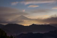 黎明の雲変幻