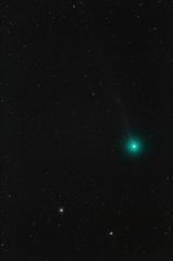 球状星団M79の側に見えるラヴジョイ彗星