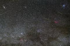 秋から冬の星空に流れる流星たち