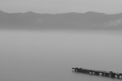 誰もいない湖