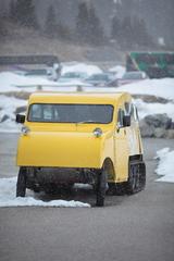 初代雪上車