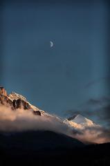ユングフラウ、シルバーホルンと月