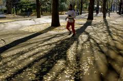 マラソン人が駆け抜ける