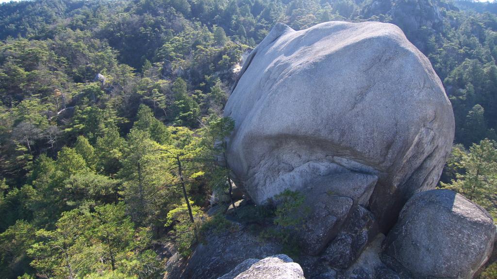 湖南アルプス・天狗岩の景観