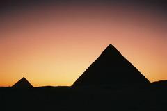 夕暮のピラミッド