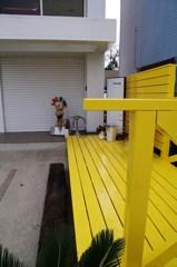 Yellow deck