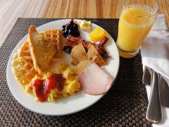 3日目朝食 ホテルのバイキング