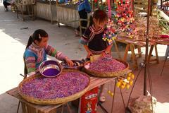 五花米を売る少女