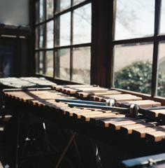 音樂敎室ニテ