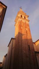 朝を告げる鐘楼