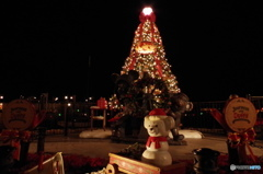 ダッフィーとシェリーメイとジェラトーニのクリスマス・ツリー