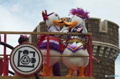 ディズニー夏祭り ドナルドとデイジーのKISS!