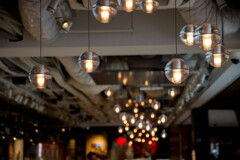 灯り、やさしく‥ショップの天井