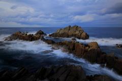 岩礁と荒波