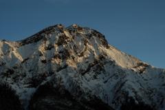 夕陽に輝く赤岳