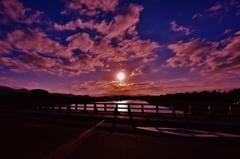 「渡月橋の夜明け」