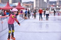 「ハーバーランドのスケートリンク」 マニュアルフォーカスの練習です