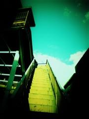 「空へ続く階段」