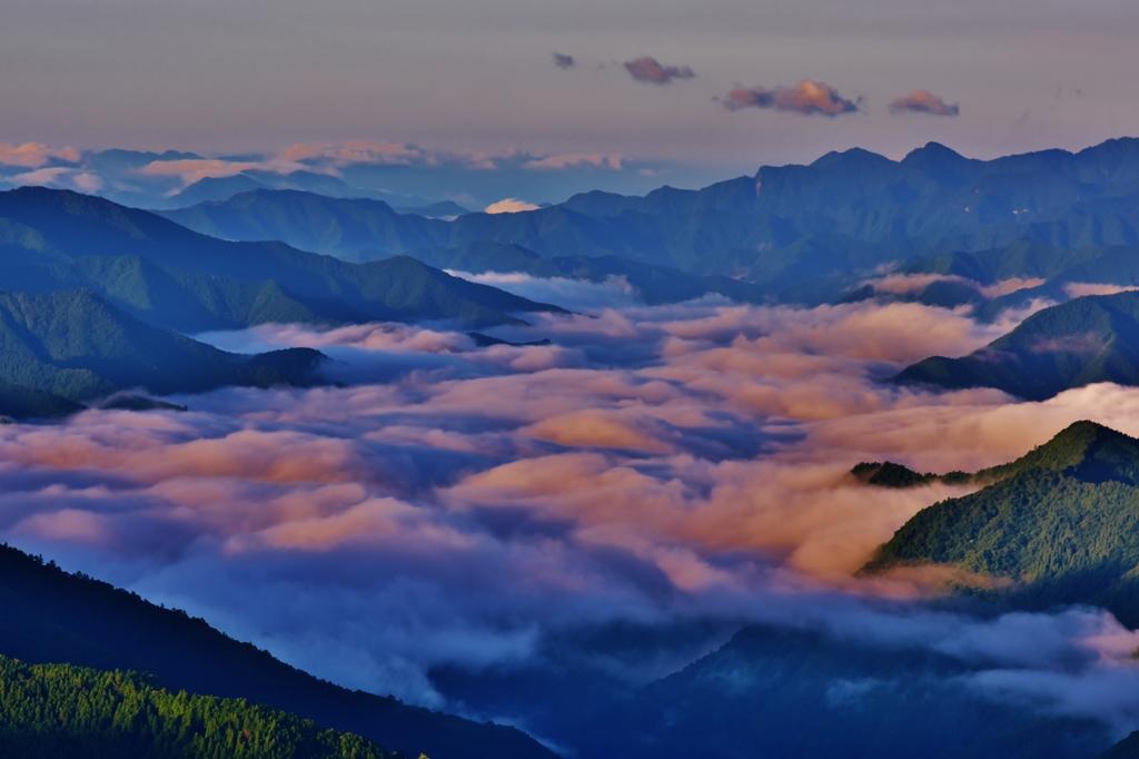 「奈良・吉野の夜明け」
