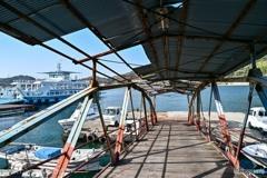 錆びた桟橋