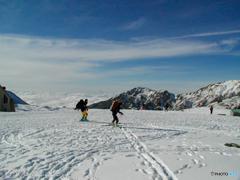 雲海より高く、室堂で山スキー