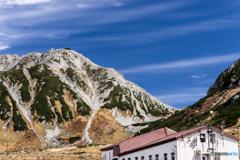 立山連峰 雄山(稜線にたくさんの登山者...)