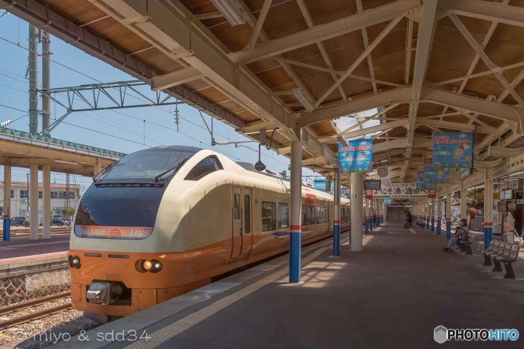 酒田駅にて