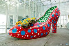草間彌生の「赤い靴」