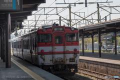 鶴岡駅にて キハ47-521 (discontinued in 2019)