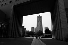 額縁の中のランドマークタワー