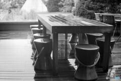 雨のテラス