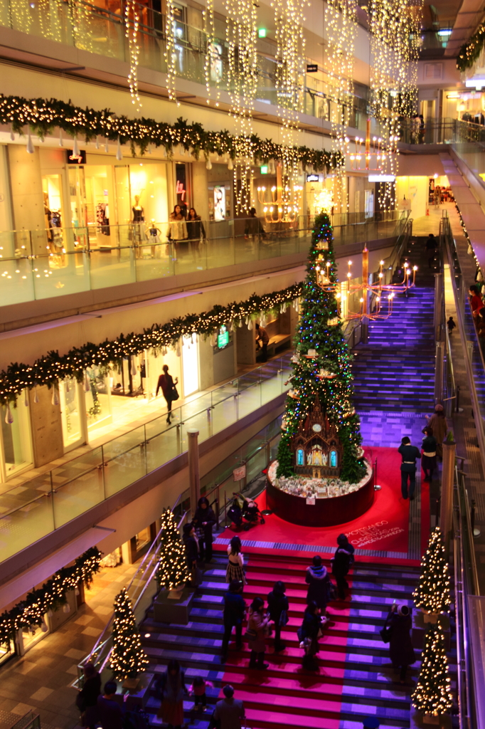 表参道ヒルズのクリスマスツリー