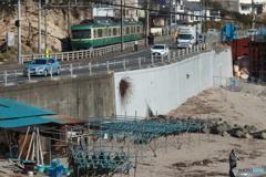 漁港と江ノ電