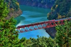 橋上を往く