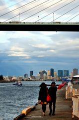 橋と船と二人