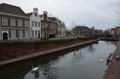 白鳥の似合う街