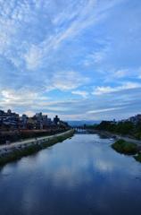 加茂川暮色